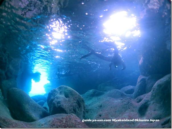 宮古島シュノーケリング青の洞窟