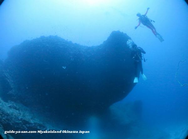 宮古島のダイビングポイント『オーバーハング』